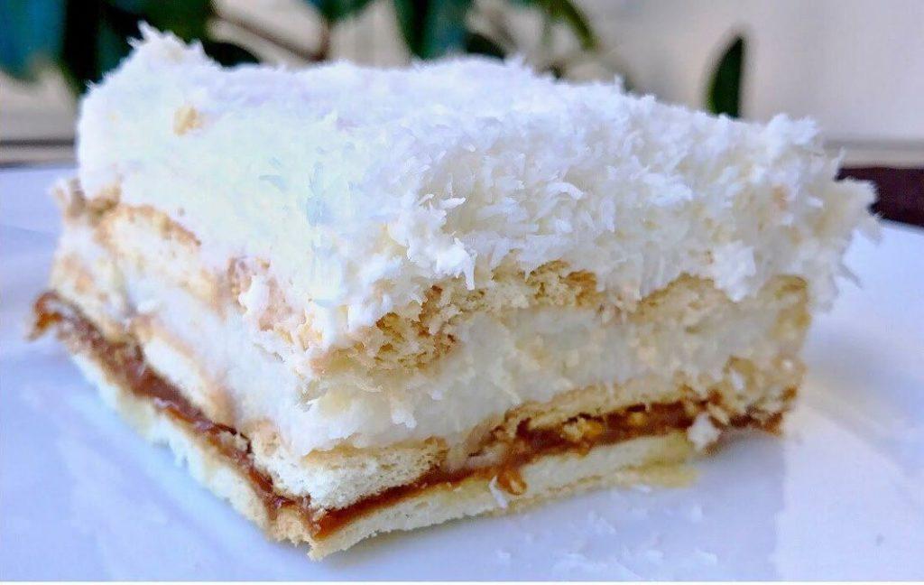 Безумно вкусный торт - очень похож на рафаэло. Без выпечки